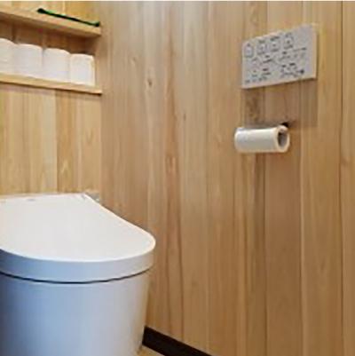トイレの壁は総ひのきで脱臭しています。